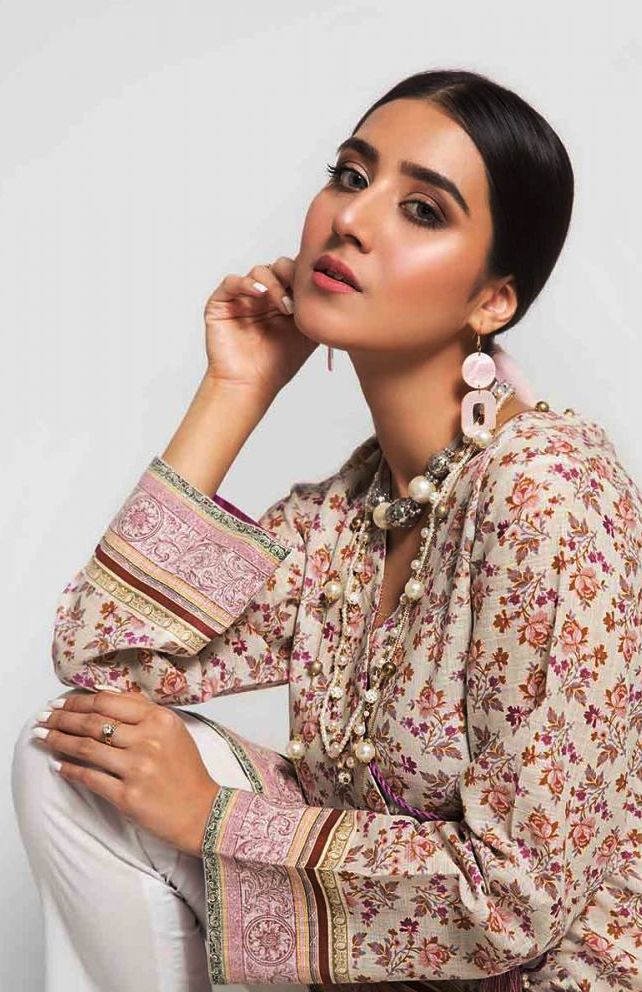 Gul Ahmed Gulistan Winter Glamour Unstitched Collection 2019 (30)