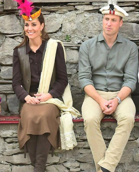 Kate Middleton Dresses 8 Style During Her Trip To Pakistan (2)