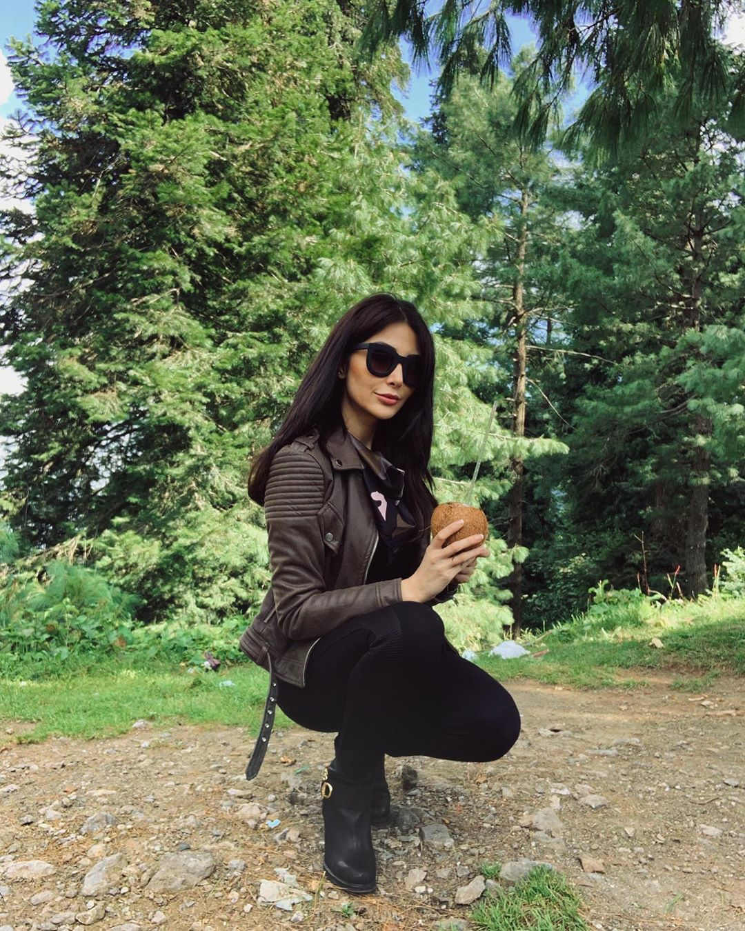 Model Sabeeka Imam Beautiful Pictures in Nathia Gali (12)
