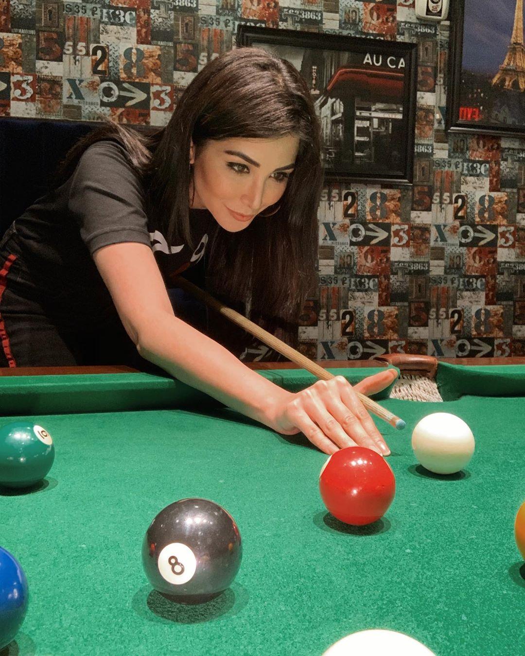 Model Sabeeka Imam Beautiful Pictures in Nathia Gali (14)