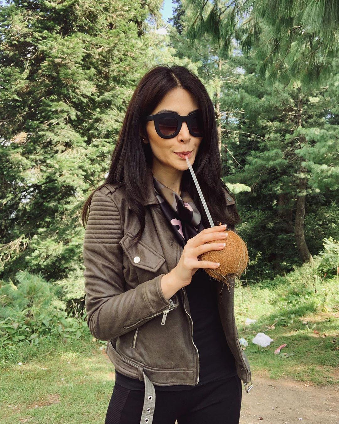 Model Sabeeka Imam Beautiful Pictures in Nathia Gali (15)