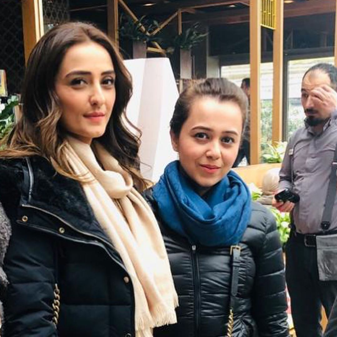Momal Sheikh Latest Pictures with her Husband (11)