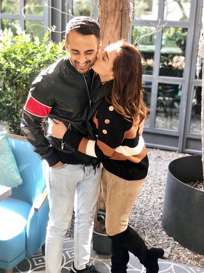 Momal Sheikh Latest Pictures with her Husband (14)