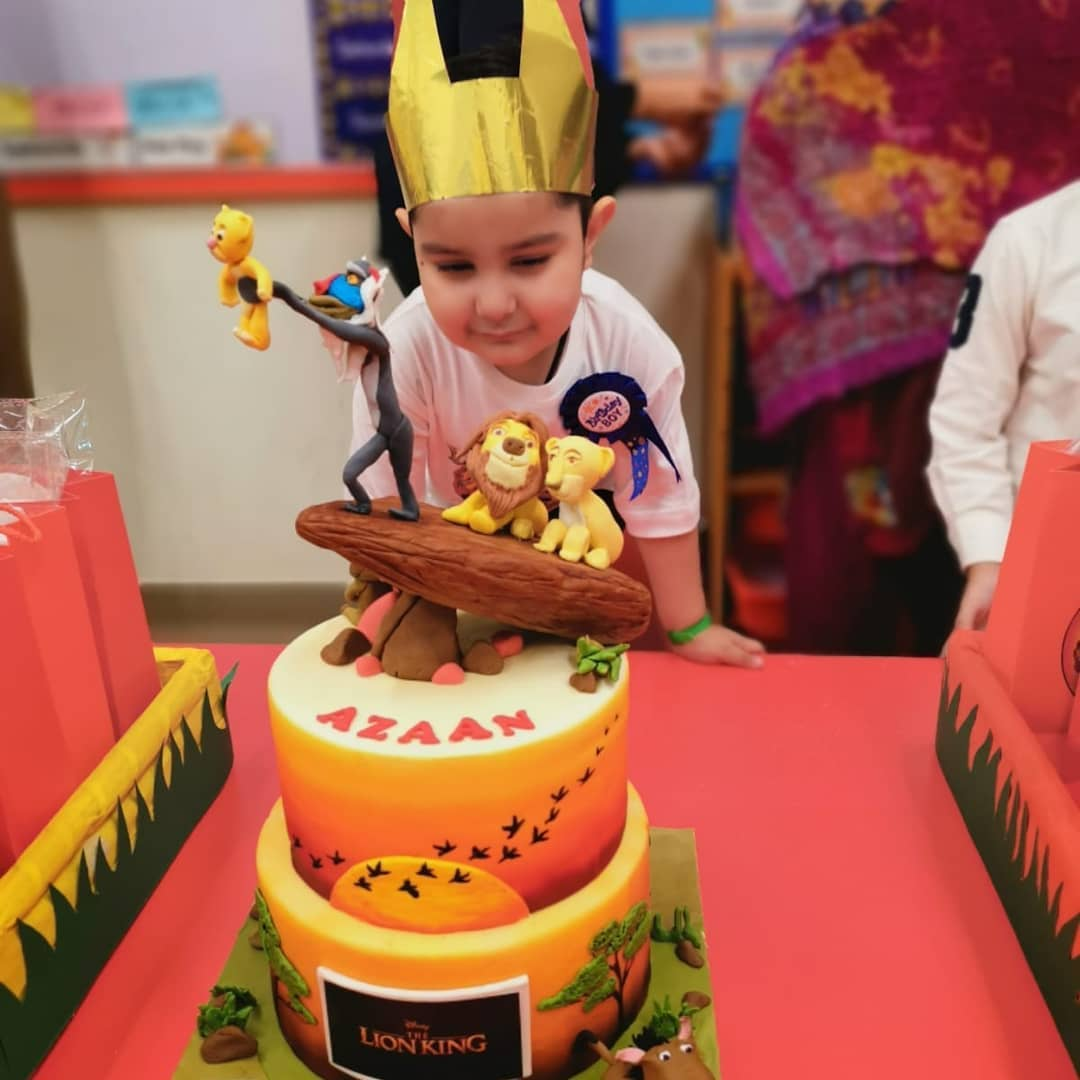 Pakistani Actor Ahmed Ali Butt Celebrate his Son Azaan Birthday Images (6)