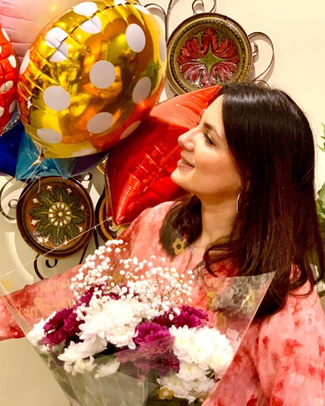 Pakistani Actor Faisal Qureshi Celebrate His Wife Sana Faysal Birthday (10)