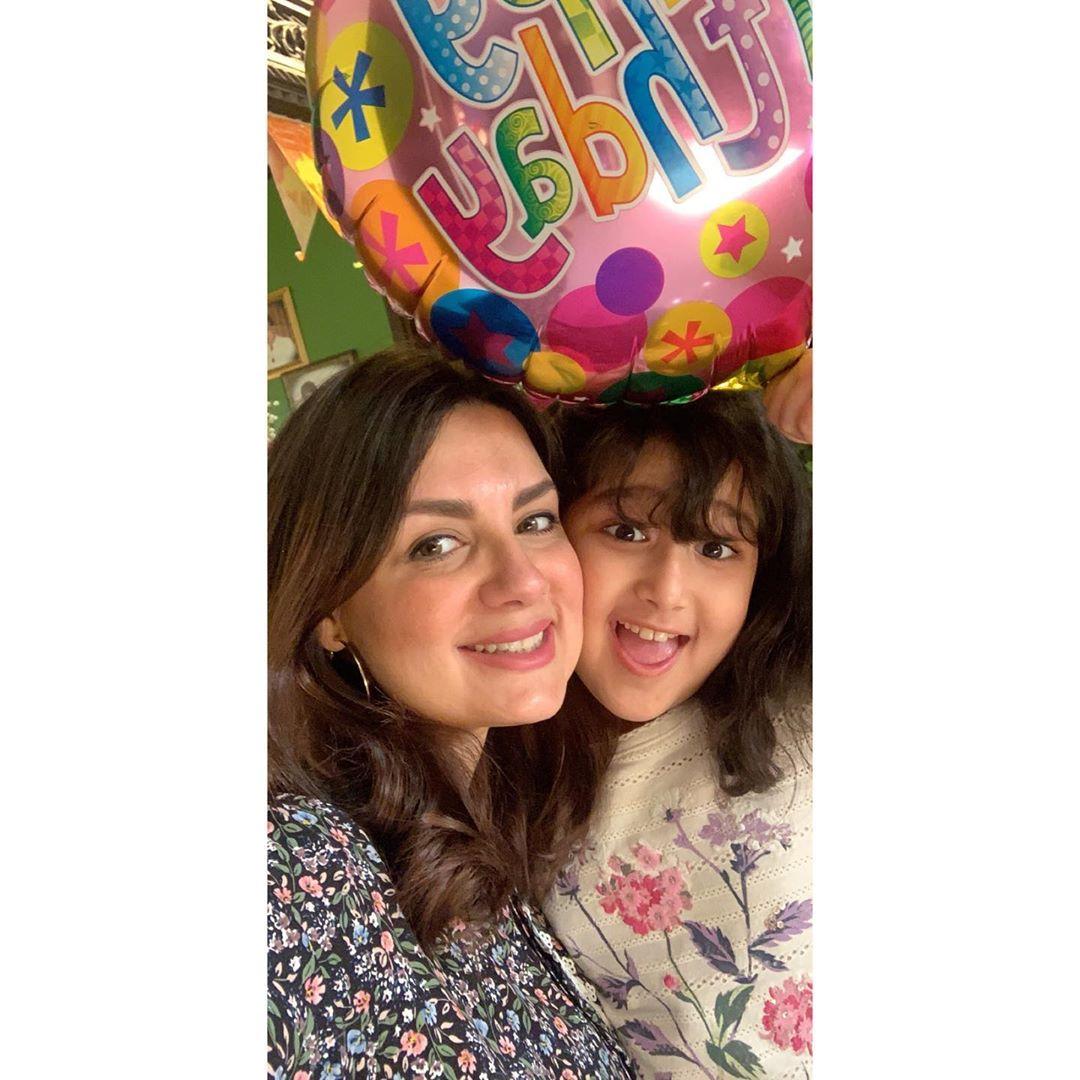 Pakistani Actor Faisal Qureshi Celebrate His Wife Sana Faysal Birthday (11)