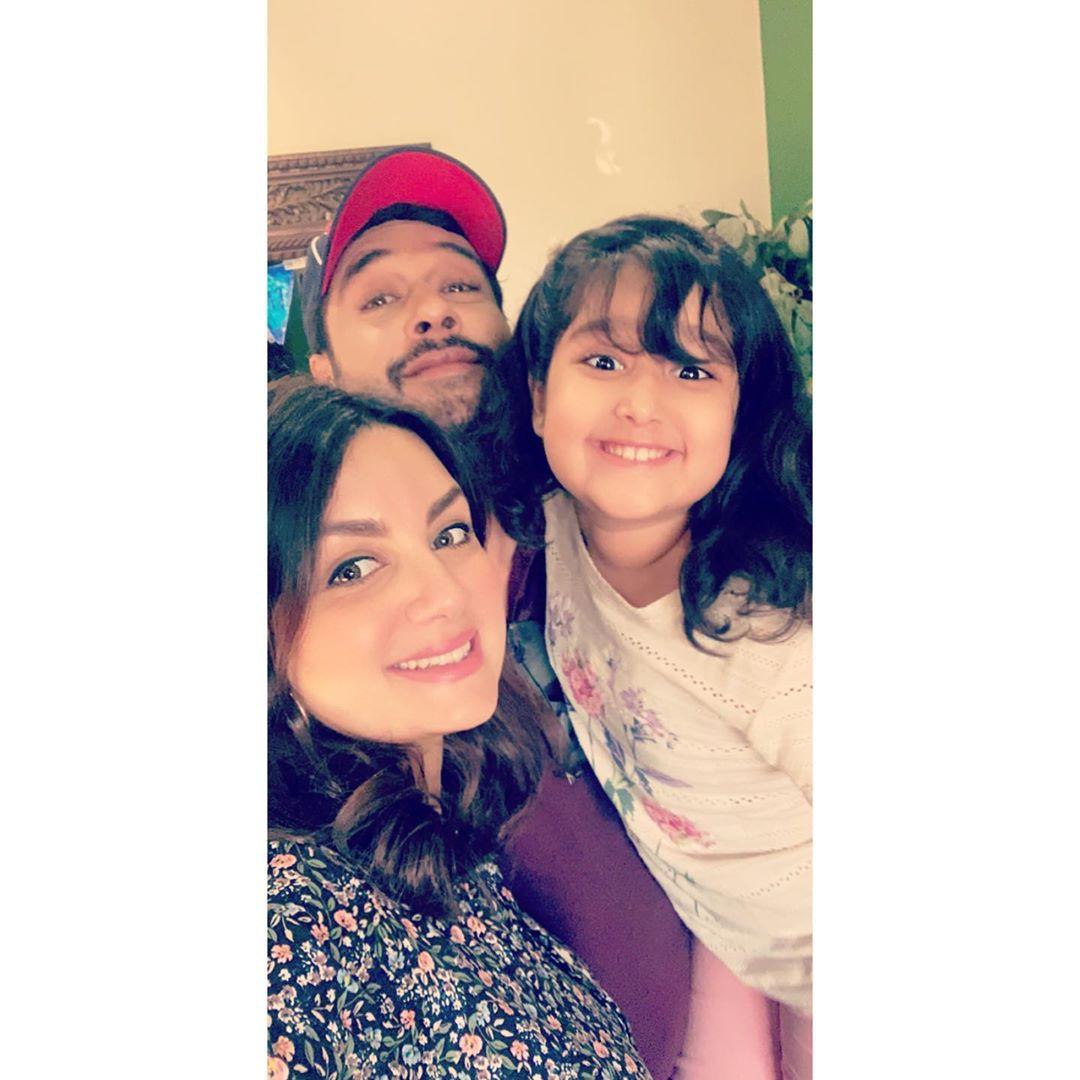 Pakistani Actor Faisal Qureshi Celebrate His Wife Sana Faysal Birthday (6)