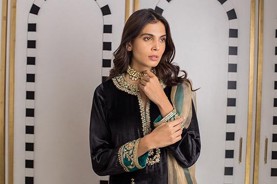 Sania Maskatiya Luxury Embroidered Dresses Collection Inara 2019 (9)