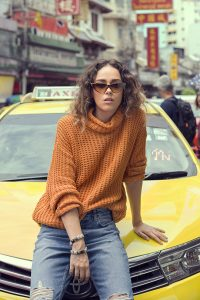 Women's Sweaters and Scarves Pret Ideas For Winter 2019 (22)