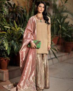 Actress Sarah Khan New Pictures for Nilofar Shahid (12)