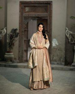 Actress Sarah Khan New Pictures for Nilofar Shahid (14)