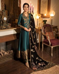 Actress Sarah Khan New Pictures for Nilofar Shahid (16)