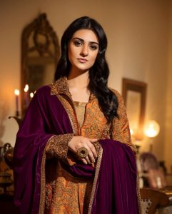 Actress Sarah Khan New Pictures for Nilofar Shahid (17)
