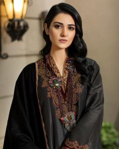 Actress Sarah Khan New Pictures for Nilofar Shahid (19)