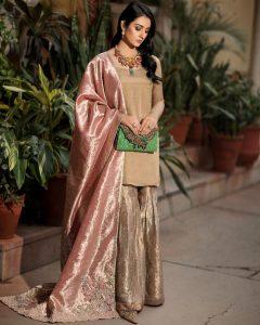 Actress Sarah Khan New Pictures for Nilofar Shahid (3)