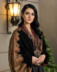 Actress Sarah Khan New Pictures for Nilofar Shahid (6)