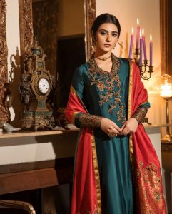 Actress Sarah Khan New Pictures for Nilofar Shahid (7)