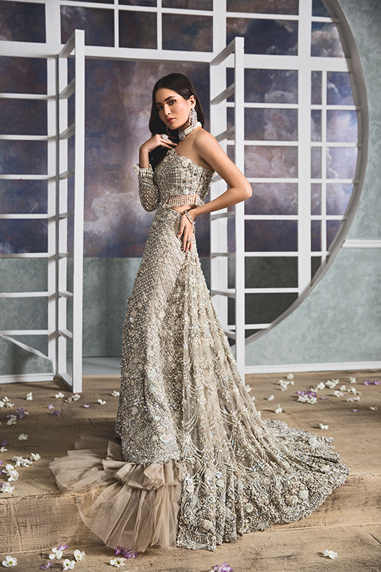 "Anaya By Kiran Chaudhry's Bridals Dreamy ""Nauroz"" Collection 2019-20 (10)"