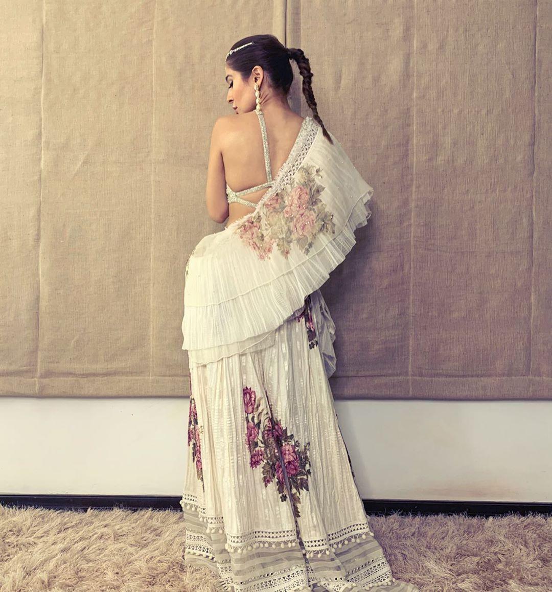 Ayesha Omar Pakistani Female Celebrity Latest Photoshoot 2019 (2)
