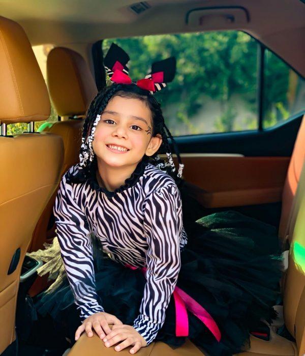 Danish Taimoor & Ayeza Khan Daughter Hoorain Pictures (7)
