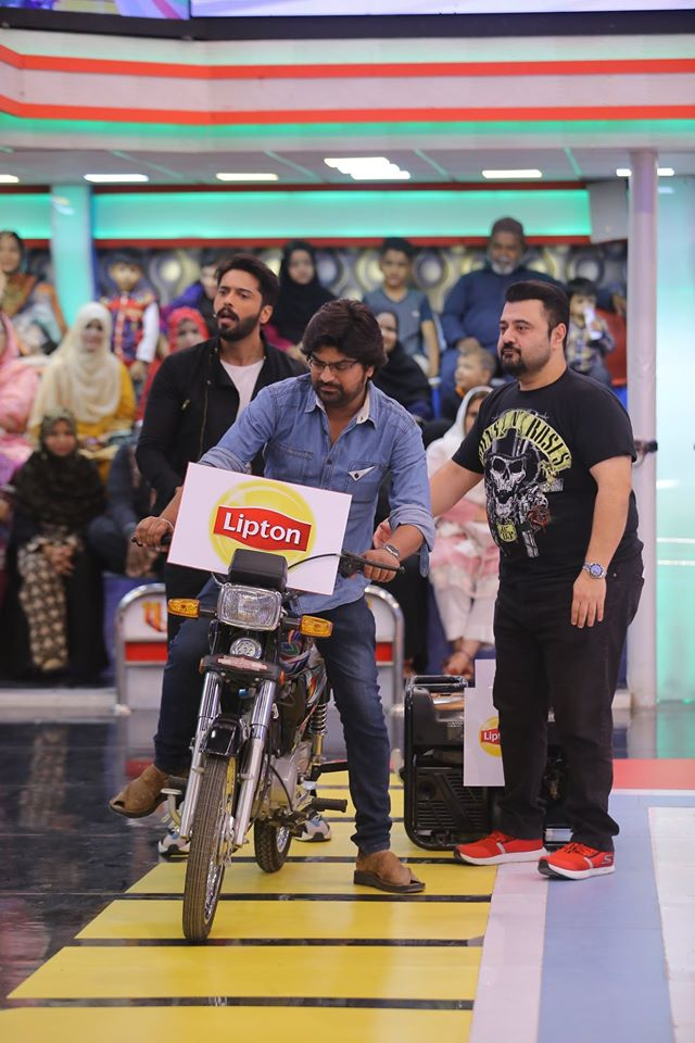 Famous Celebrities Spotted at Jeeto Pakistan Gyara Gyara 11-11 Special Show (12)