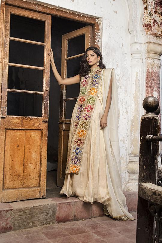Glamorous Winter Formals Collection 2019-20 By Natasha Kamal (22)