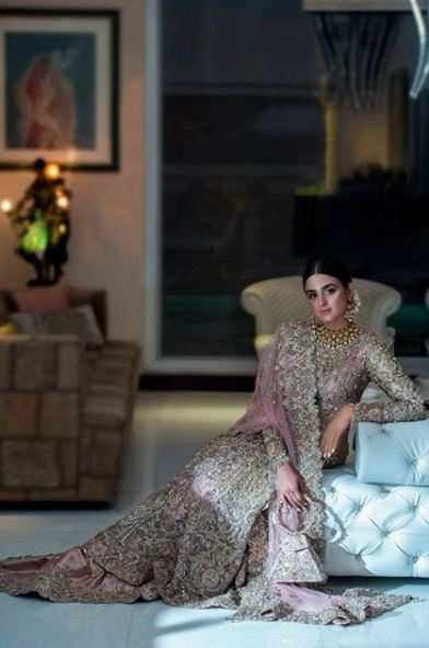 Hira Mani Pakistani Actress Bridal Photo Shoot for Nickie Nina (12)