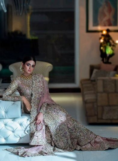 Hira Mani Pakistani Actress Bridal Photo Shoot for Nickie Nina (14)