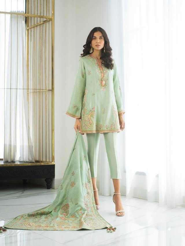 INARA Winter Luxury Collection 2019-20 By Sania Maskatiya (10)