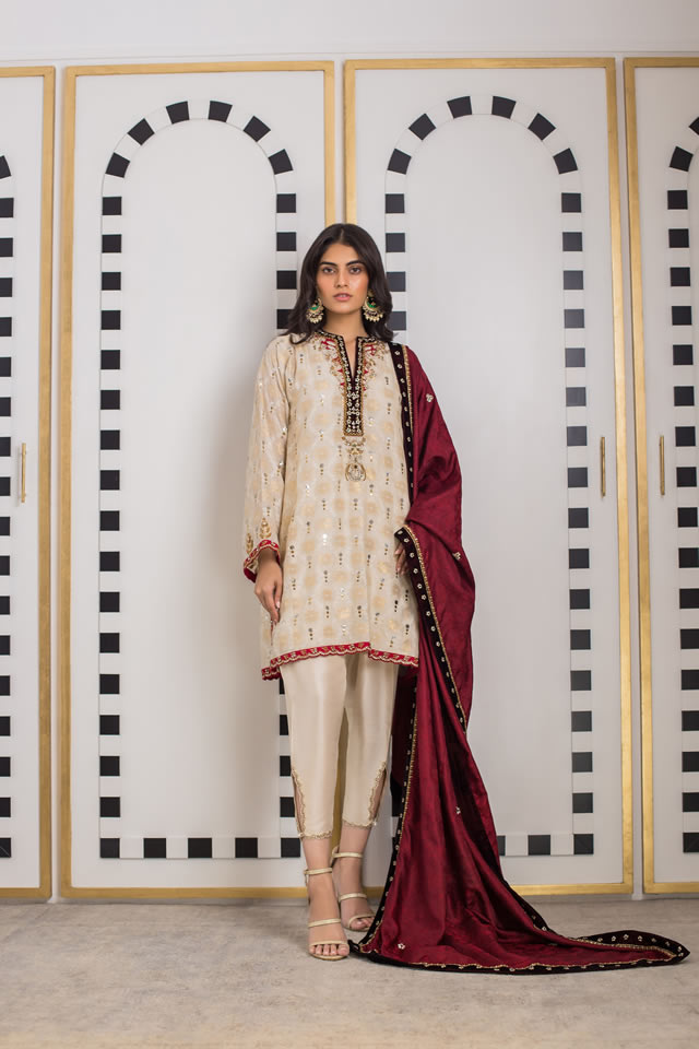 INARA Winter Luxury Collection 2019-20 By Sania Maskatiya (16)