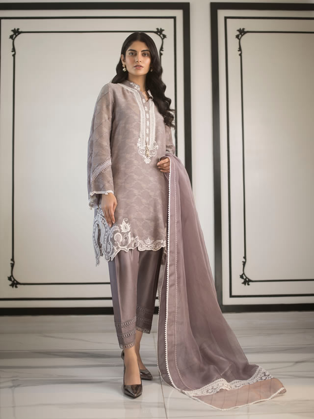 INARA Winter Luxury Collection 2019-20 By Sania Maskatiya (17)