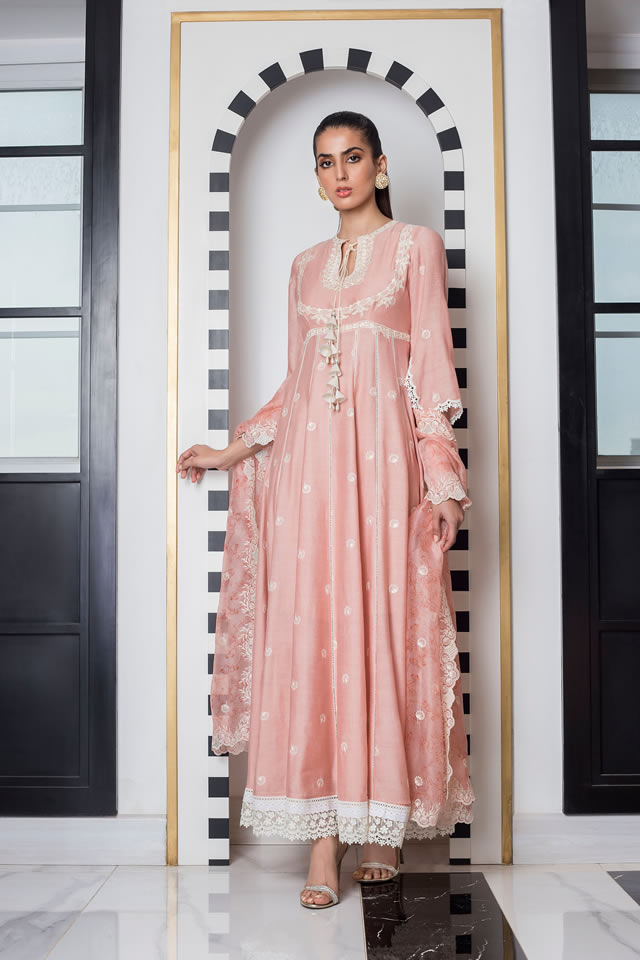 INARA Winter Luxury Collection 2019-20 By Sania Maskatiya (20)