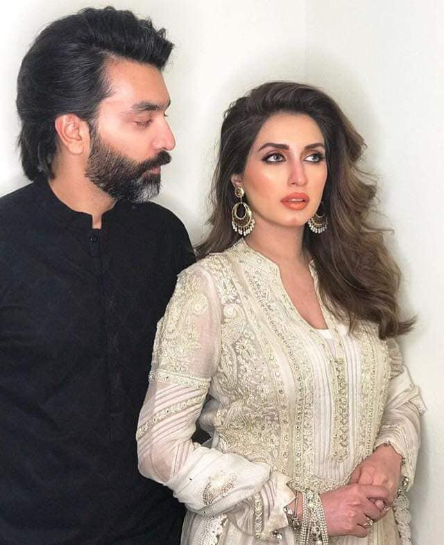 Iman Ali Famous Pakistani Actress Pictures with her Husband (7)