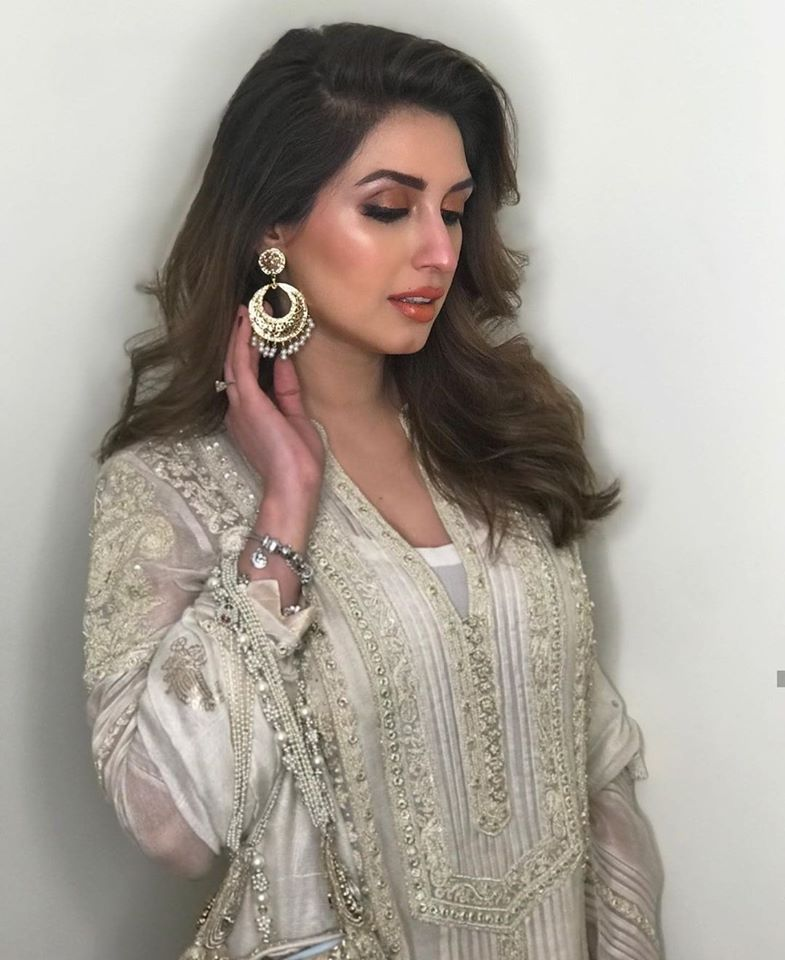 Iman Ali Famous Pakistani Actress Pictures with her Husband (9)