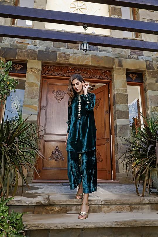 La Amour Winter Wear Collection 2019-20 By Rozina Munib (24)