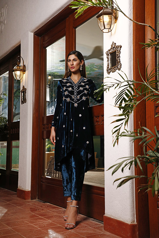 La Amour Winter Wear Collection 2019-20 By Rozina Munib (38)