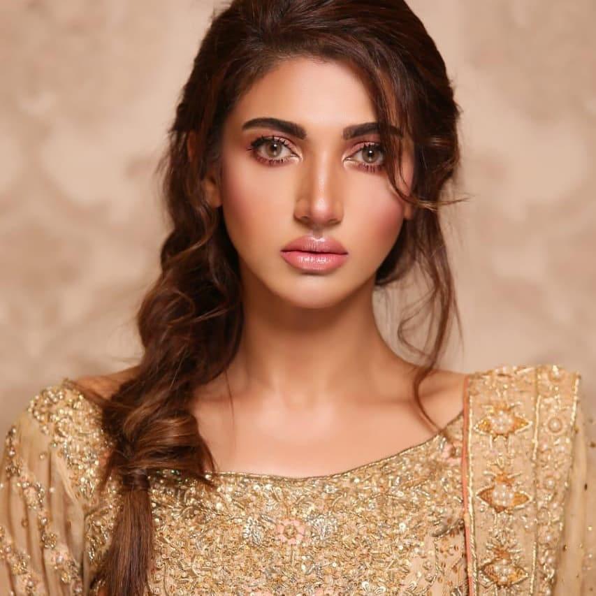 Latest Photo Shoot Of Beautifull Actress Sana Fakhar (5)