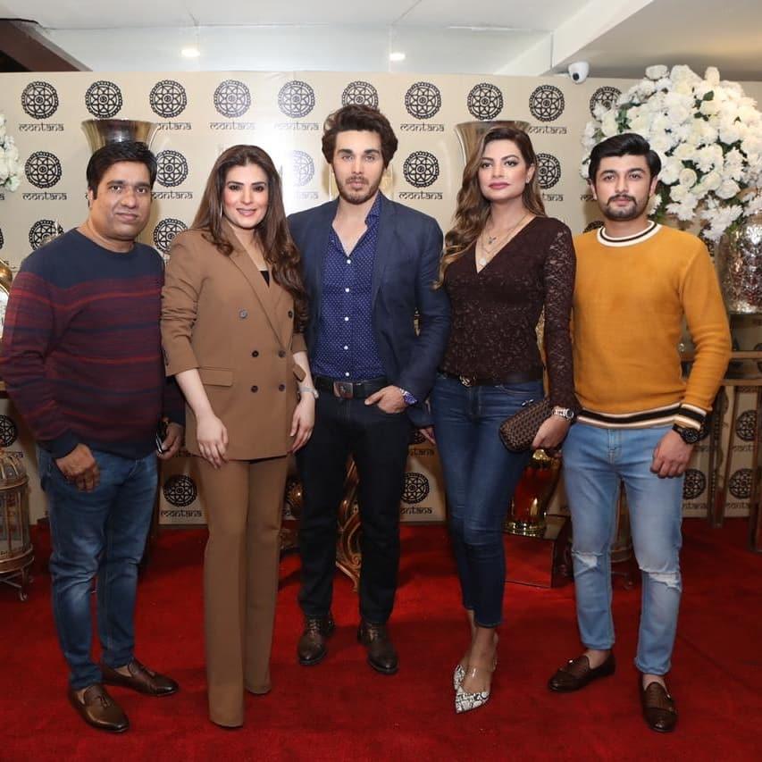 Resham Pakistani Actress Celebrate Birthday Party with Friends (3)