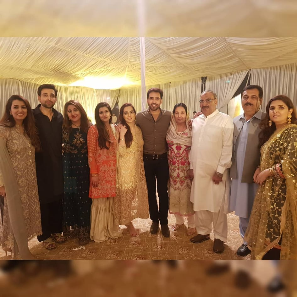 Sami Khan And His Wife Images at a Family Wedding (1)