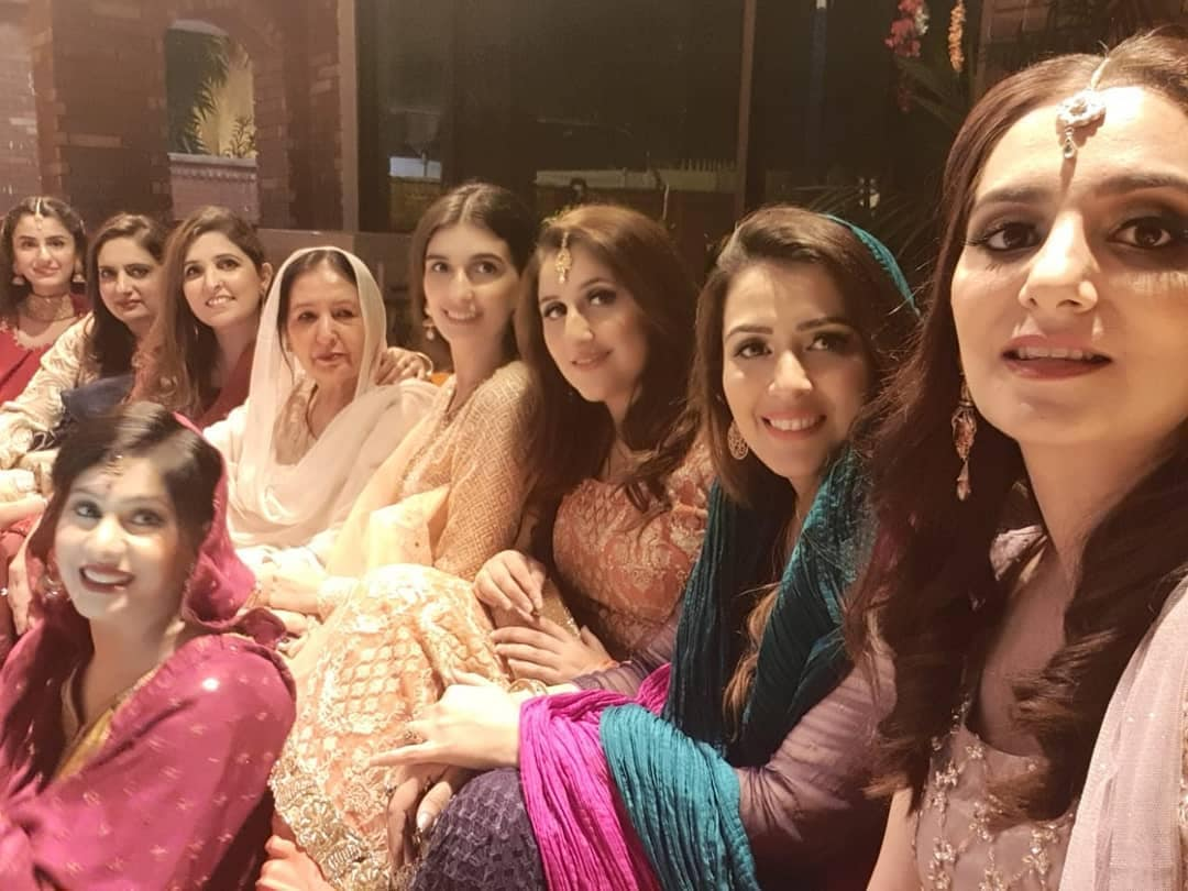 Sami Khan And His Wife Images at a Family Wedding (21)