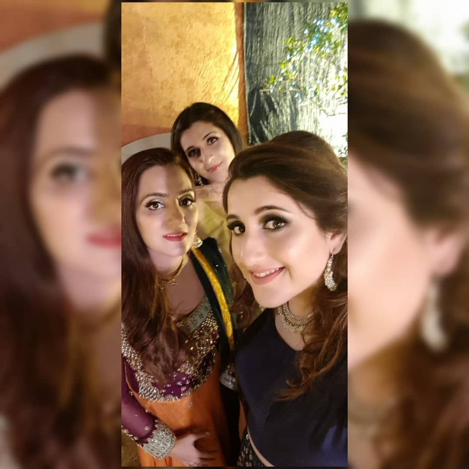 Sami Khan And His Wife Images at a Family Wedding (3)