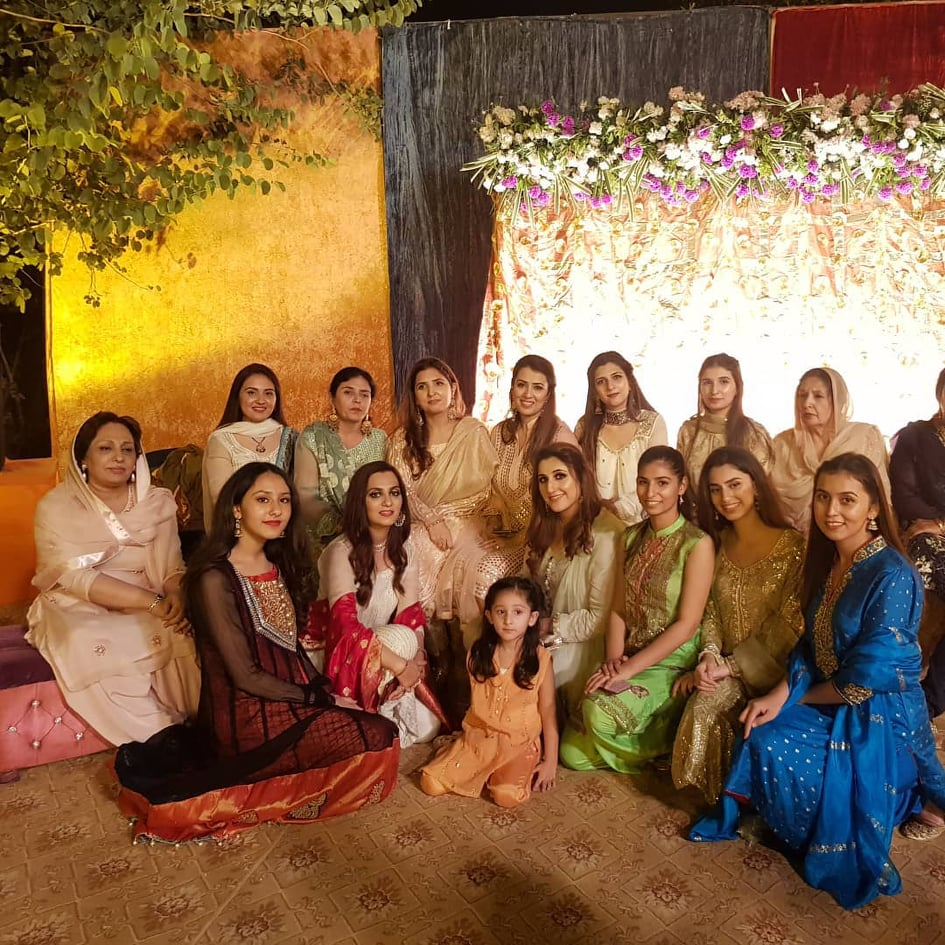 Sami Khan And His Wife Images at a Family Wedding (6)