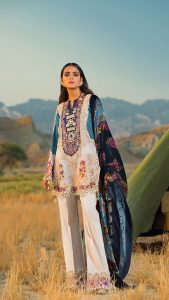 Sana Safinaz Winter Shawl Collection Looks 2019-20 (11)