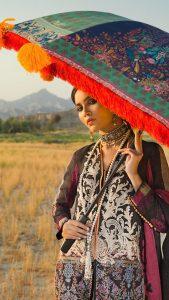 Sana Safinaz Winter Shawl Collection Looks 2019-20 (9)