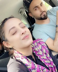 Sanam Chaudhry Actress Nikkah with Singer Somee Chohan Pictures (9)
