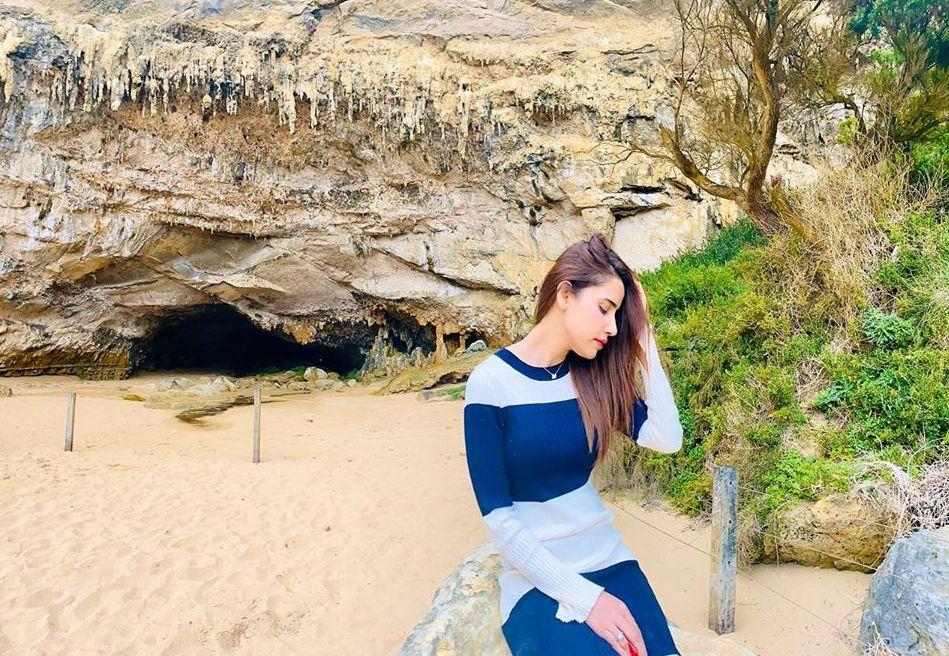 Saniya Shamshad Pakistani Actress Images with her Husband in Australia (23)