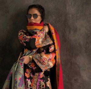 Top Ten Designers Top 10 Shawls For This Winter Season (4)