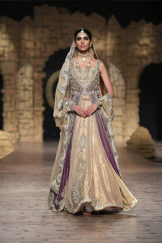 Bridal Ready to Wear Collection at PHBCW 2019-20 By House of Mehdi (15)
