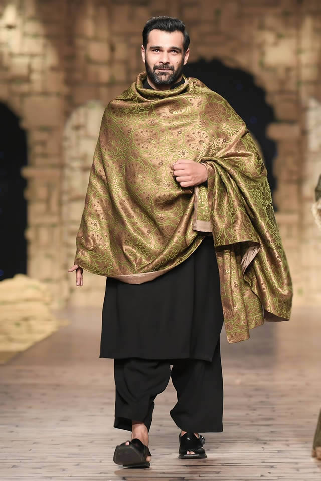 Bridal Ready to Wear Collection at PHBCW 2019-20 By House of Mehdi (4)