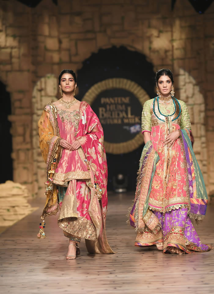 Dastaan-e-Firdaus Bridal Collection at PHBCW19 By Nilofer Shahid (16)